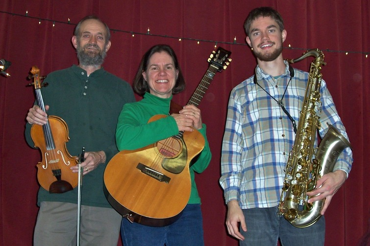 The McKenzies (Woody, Marcia, Keenan), Dayton contra dance