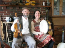 The McKenzies, fiddle & bodhran