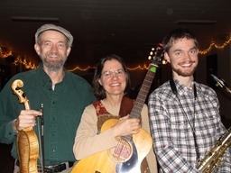 The McKenzies (Woody, Marcia, Keenan) contra dance musicians